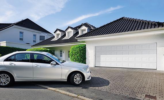 您知道如何选择车库门吗?