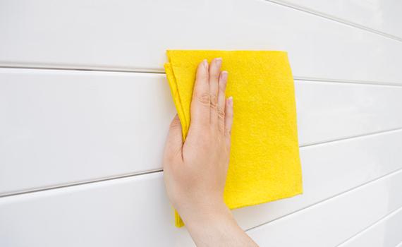 彩色喷涂面饰的车库门如何进行保养和维护?